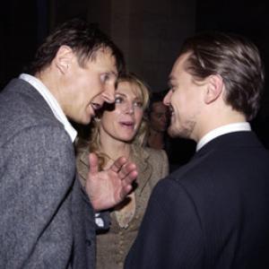 Leonardo DiCaprio Liam Neeson and Natasha Richardson at event of Niujorko gaujos 2002
