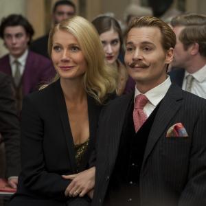 Still of Johnny Depp and Gwyneth Paltrow in Usuotasis Ponas Mortdecai (2015)