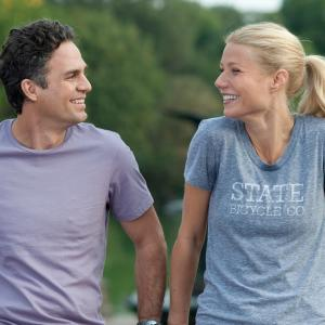 Still of Gwyneth Paltrow and Mark Ruffalo in Thanks for Sharing (2012)