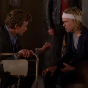 Still of Simon Baker and Tracy Middendorf in Mentalistas (2008)