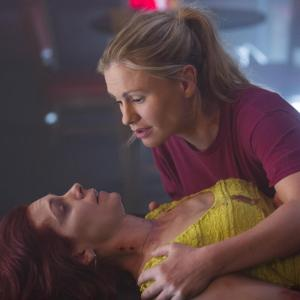 Still of Anna Paquin and Carrie Preston in Tikras kraujas (2008)