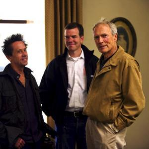 Still of Clint Eastwood Brian Grazer and Robert Lorenz in Laumes vaikas 2008
