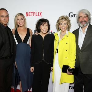 Jane Fonda, Sam Waterston, Lily Tomlin, Ethan Embry and June Diane Raphael at event of Grace and Frankie (2015)