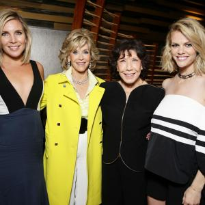 Jane Fonda, Lily Tomlin, June Diane Raphael and Brooklyn Decker at event of Grace and Frankie (2015)