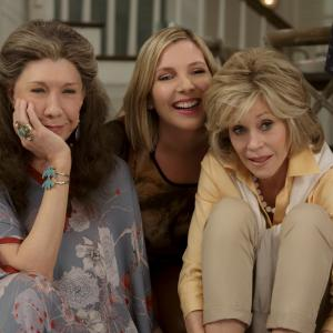 Still of Jane Fonda, Lily Tomlin and June Diane Raphael in Grace and Frankie (2015)